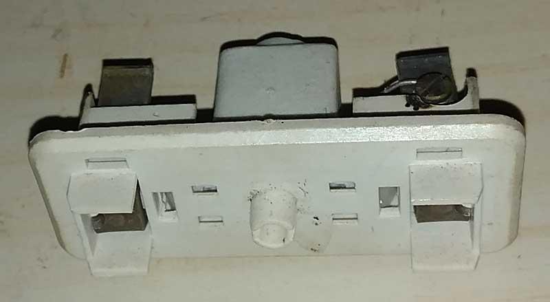 Broken fuse holder